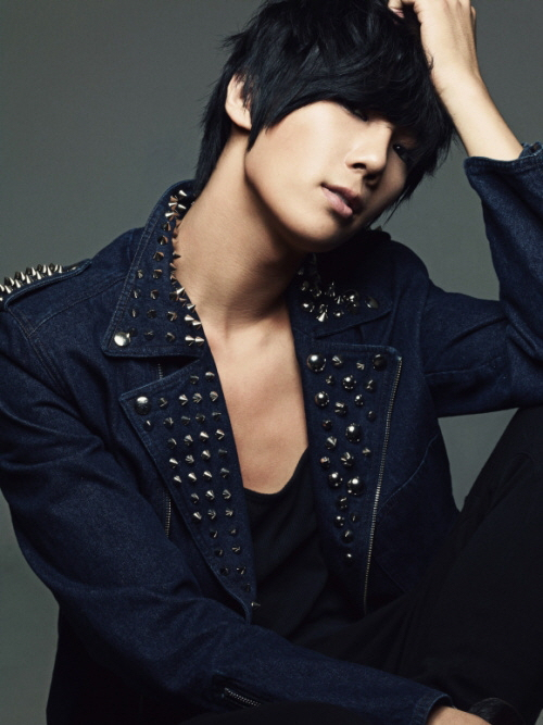 park jung min not alone. 10th February, Park JungMin